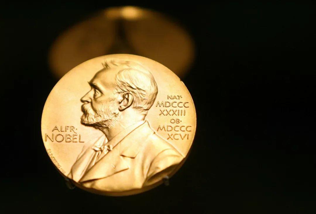 Nature物理:诺贝尔奖更偏好年轻的小团队吗?-集智俱乐部